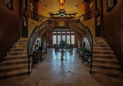 Tips to Create a Standout Entryway in Palm Coast New Homes